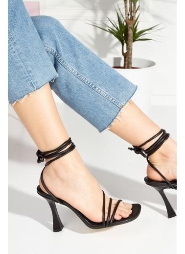 Derithy Royden Topuklu Ayakkabı-Ten-Byc1112 Siyah